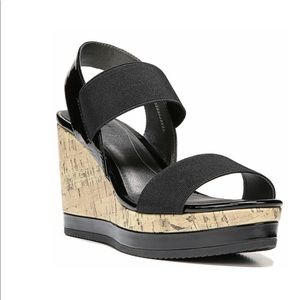 Life Stride Elusive black wedge sandals size 6